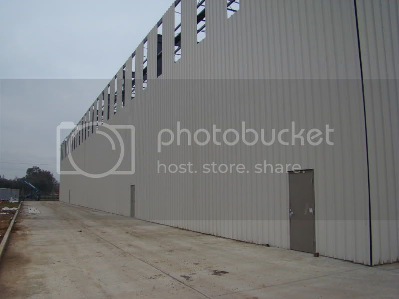 my brothers new sheet metal shop DSC03918