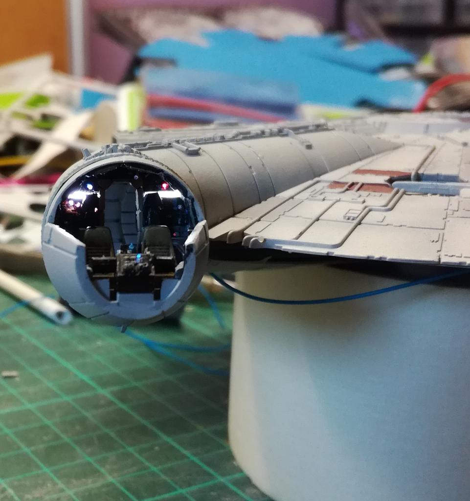 Falcon 1/144 Poste1_zpsq8eoabew