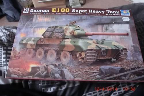 1/35 Trumpeter German E-100 Super heavy tank. CIMG2697_zpsebbbbdb2