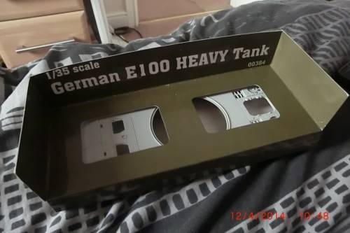 1/35 Trumpeter German E-100 Super heavy tank. CIMG2704_zpsd7b476c7