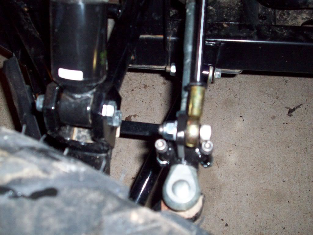 Added the steering stabilizer Rhinosteeringstabilizer002