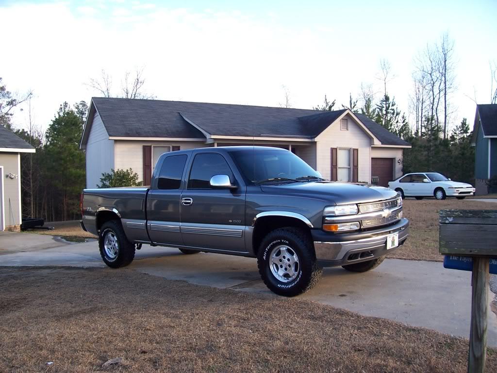 pics of my truck and my G/Fs truck Truckpics001-1