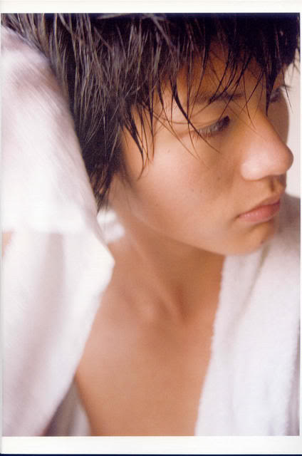 E se fosse verdade... - Página 3 Miura_Haruma_Photobook_-_Tabun_004