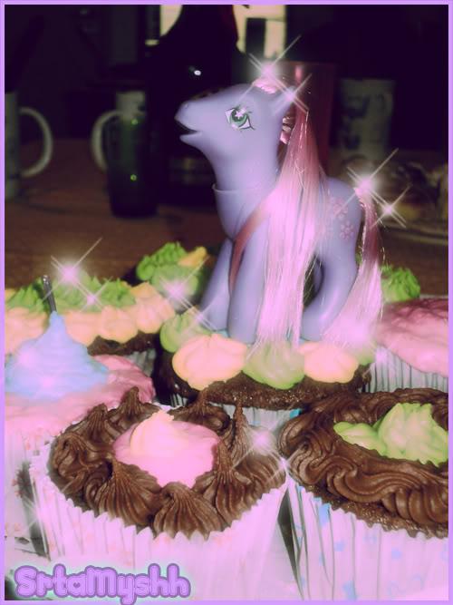 Tea Party Feliciosamente Feliz *W* Ponyycopia