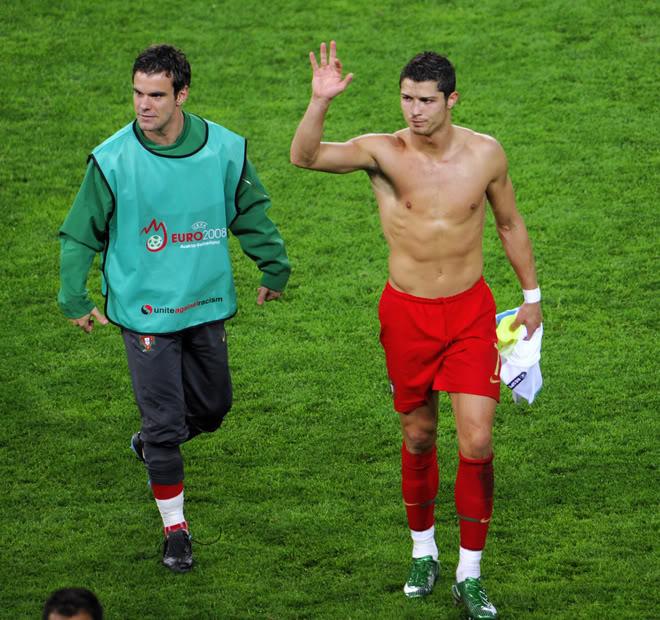 Cristiano Euro 2008 ...FOTOS Y VIDEOS 040c7eaf1f87ee04b2dce7d8a49adec8-ge