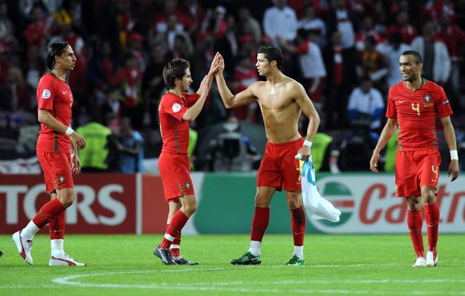 Cristiano Euro 2008 ...FOTOS Y VIDEOS 8636ceec9aaa498c6ea24b1b9707aaa9-ge