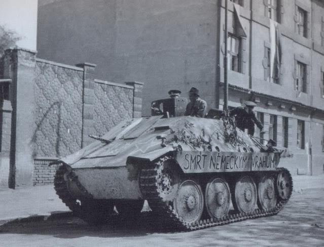 HETZER a la libération de Prague Hetzer-SMRT_NMECKM_VRAHM_2