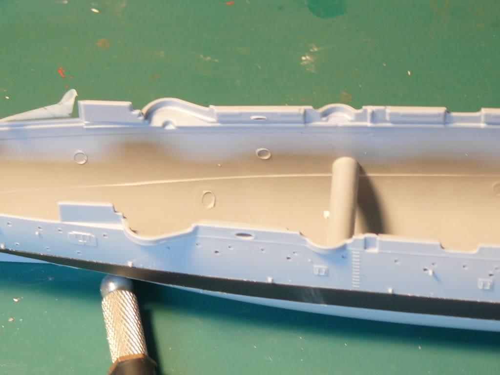 Croiseur Russe Varyag 1/350 Zvezda - Page 2 P1000287