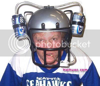 Thư viện mũ bảo hiểm đặc sắc nhất thế giới ^^! Beer-football-helmet