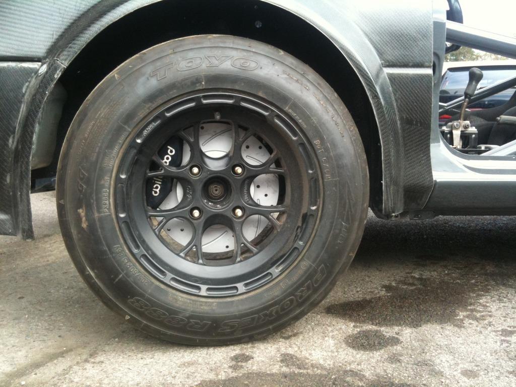 Wilwood calipers mintex 1144 pads 262mm discs & starkey brake brackets 304eaa33