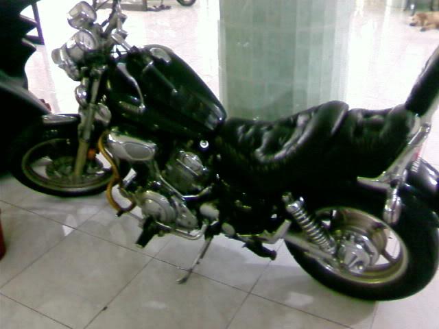 Motor KLASIK (jadul) mana yang paling LANGKA dari semua koleksi bro kita ini? hayoo sapa bisa jawab :) 20080901100255