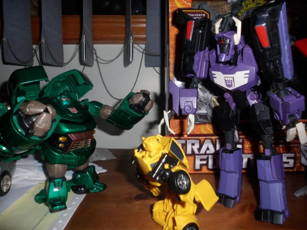 Guerres Transformers! Montrez-moi vos batailles et guerres épiques en photo ici. - Page 5 SAM_5205
