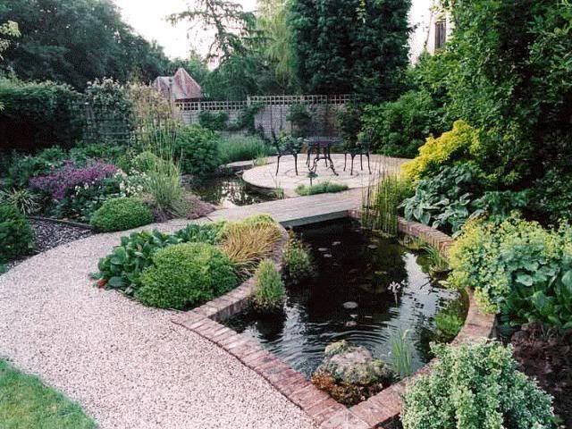 Jardín y piscina Parques