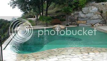 Jardín y piscina Piscina_de_XYZ