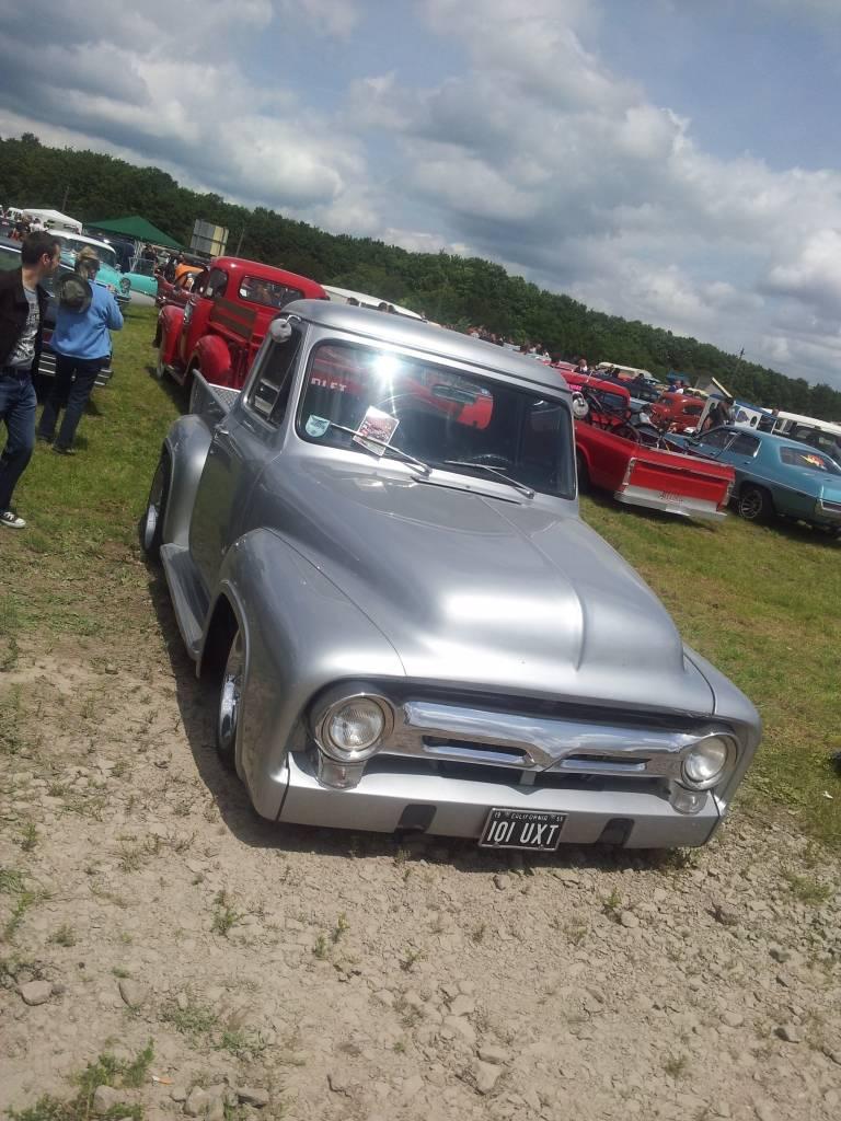1ier EUROPEAN H0T R0D & Custom Show sur Chimay! 23-24/6/2012 - Page 9 2012-06-23134058