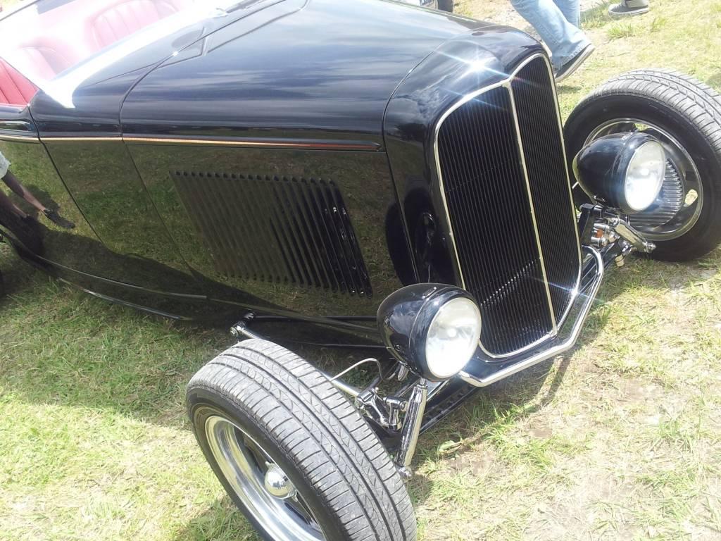 1ier EUROPEAN H0T R0D & Custom Show sur Chimay! 23-24/6/2012 - Page 9 2012-06-23140302