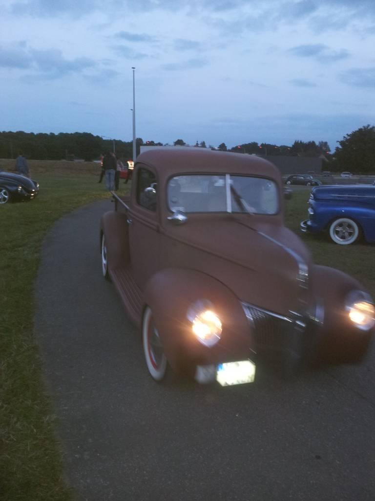 1ier EUROPEAN H0T R0D & Custom Show sur Chimay! 23-24/6/2012 - Page 9 2012-06-23220650