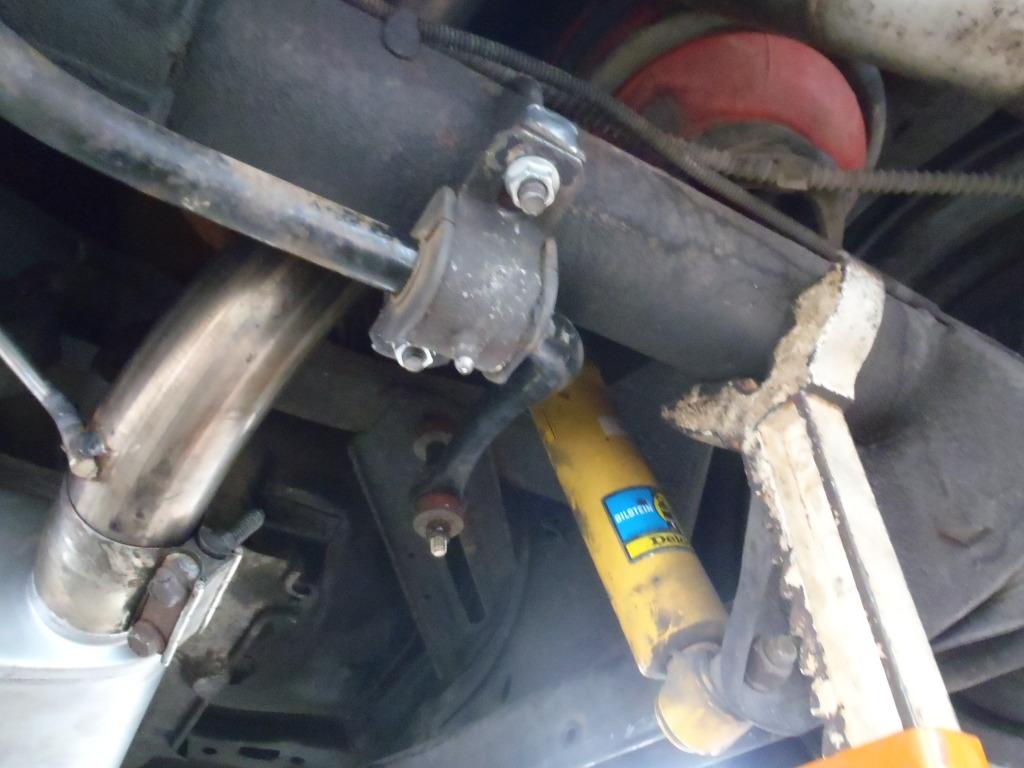 Ford sway bar on a B-body Wagon P4210397