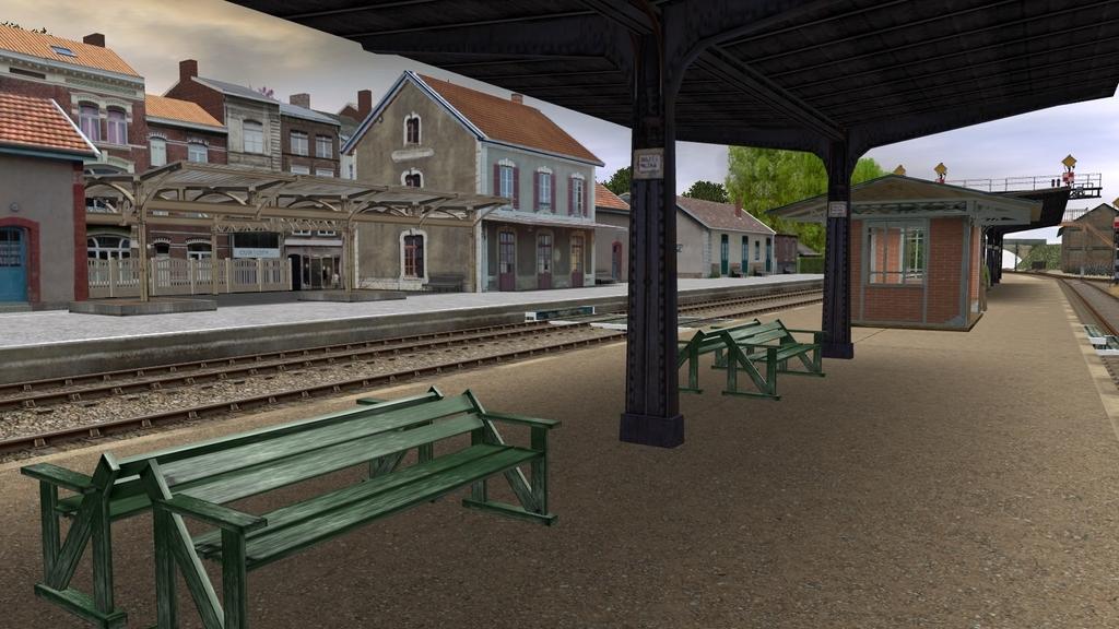 Une petite gare  Giraud_20150626_0006_zpsuko7c83f