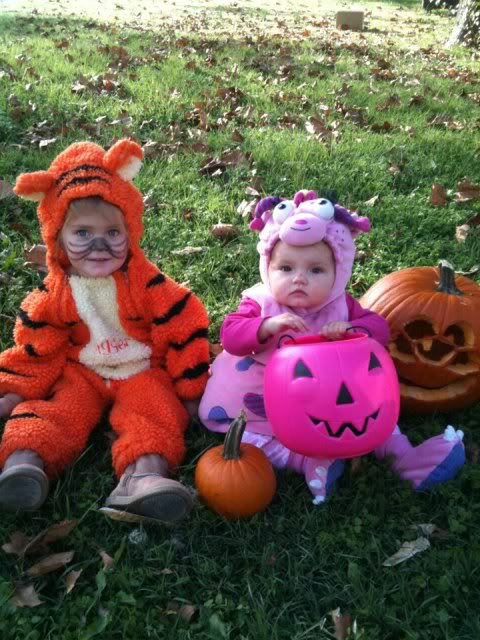 Happy Halloween from my Grandbabies and me too :-)  384225_471272772917460_267455076_n