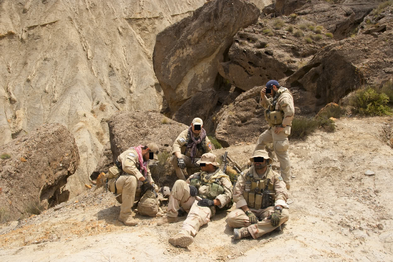 The Fallen Warriors - In honour of the fallen in OP. RW.  Reenactment moderno 2005 58e28957