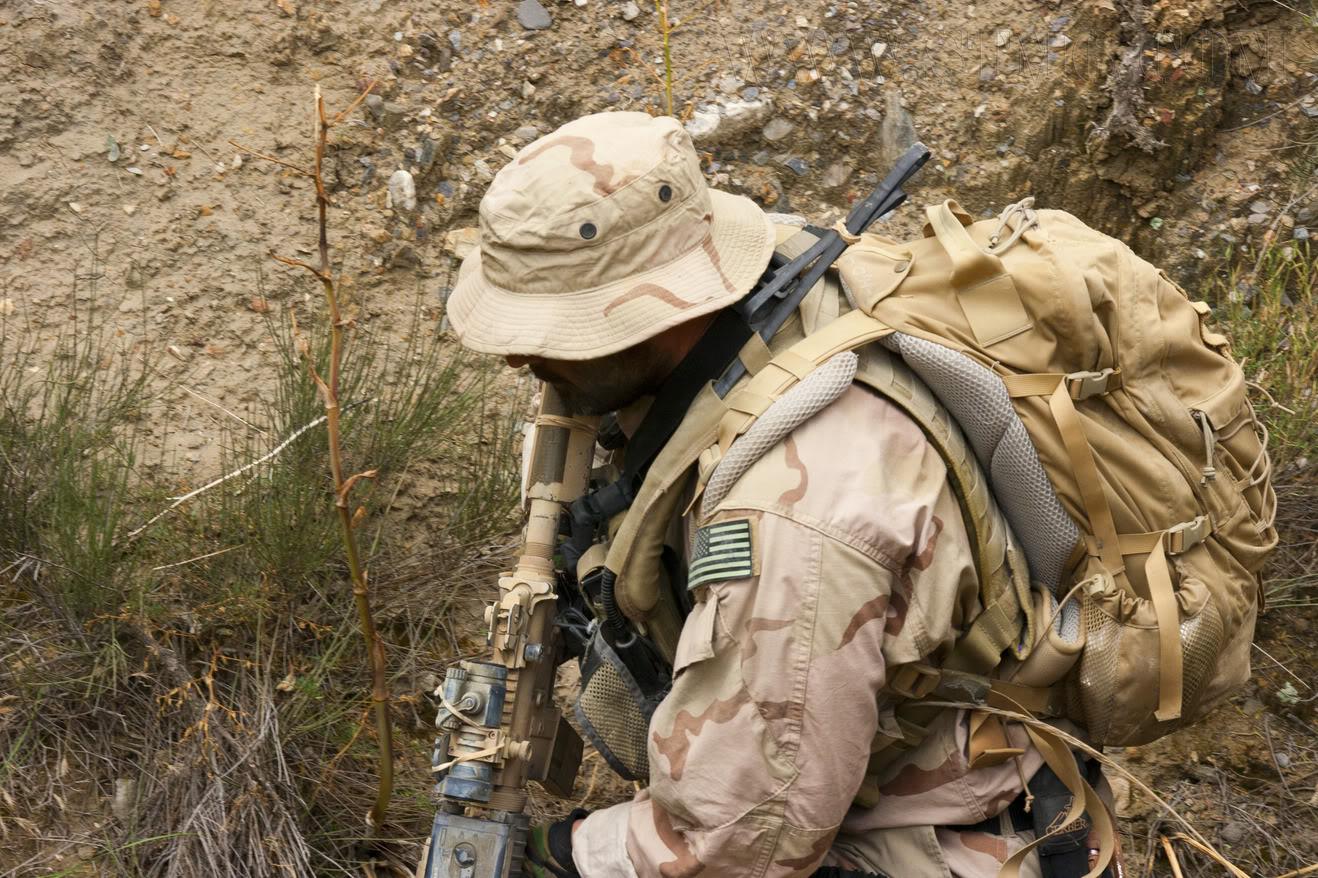 The Fallen Warriors - In honour of the fallen in OP. RW.  Reenactment moderno 2005 8f76418e