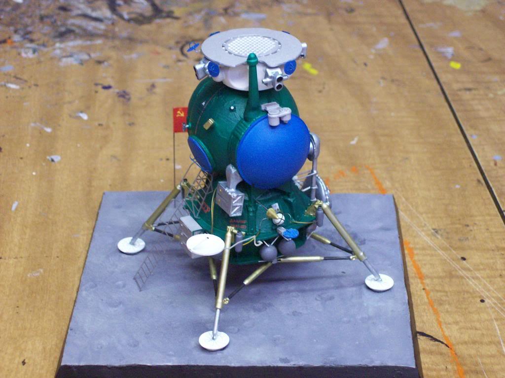 Un nouveau module lunaire sovietique -LK- au 1/48 chez fantastic-plastic 100_9242_zpsa917c687