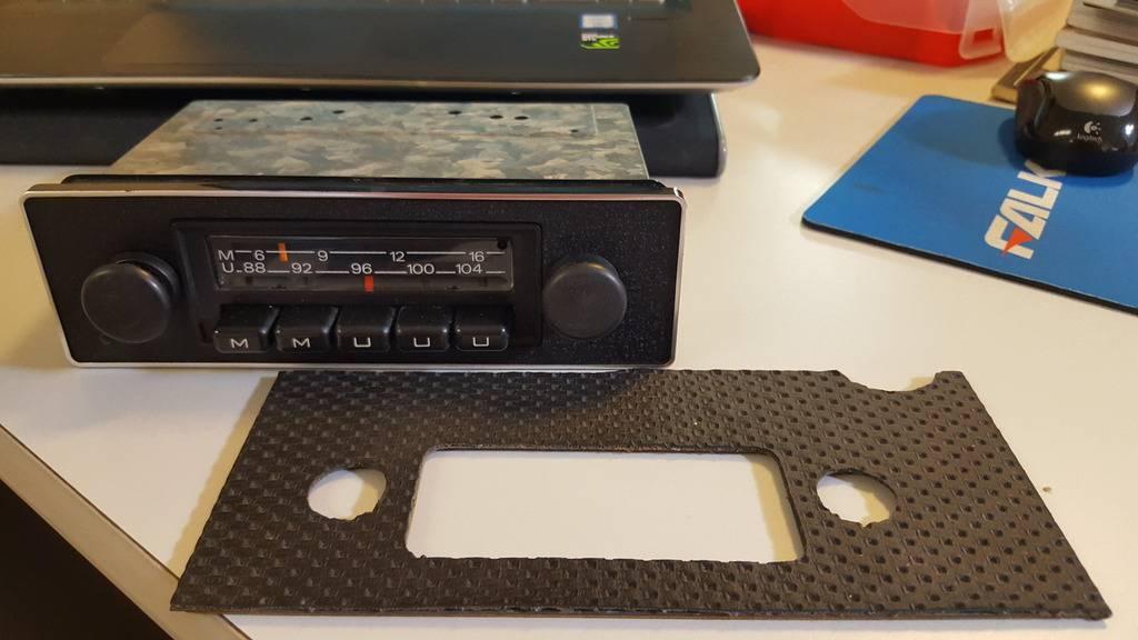 Presento mi 914 2.0 del '73 Radio%20Emden_zpsoucj8iqe