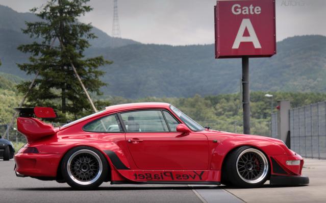 Porsche 993 RWB 11