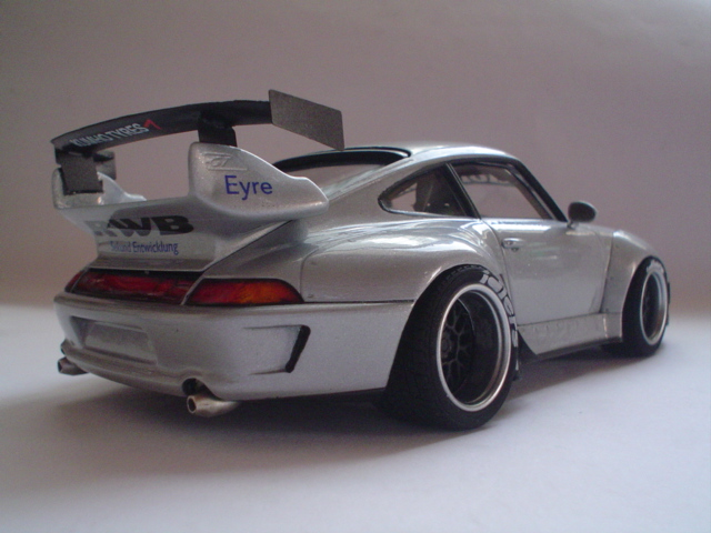 Porsche 993 RWB Modelismo2012191