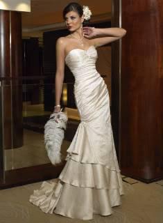 Сирена и империски стил на венчаници J1059