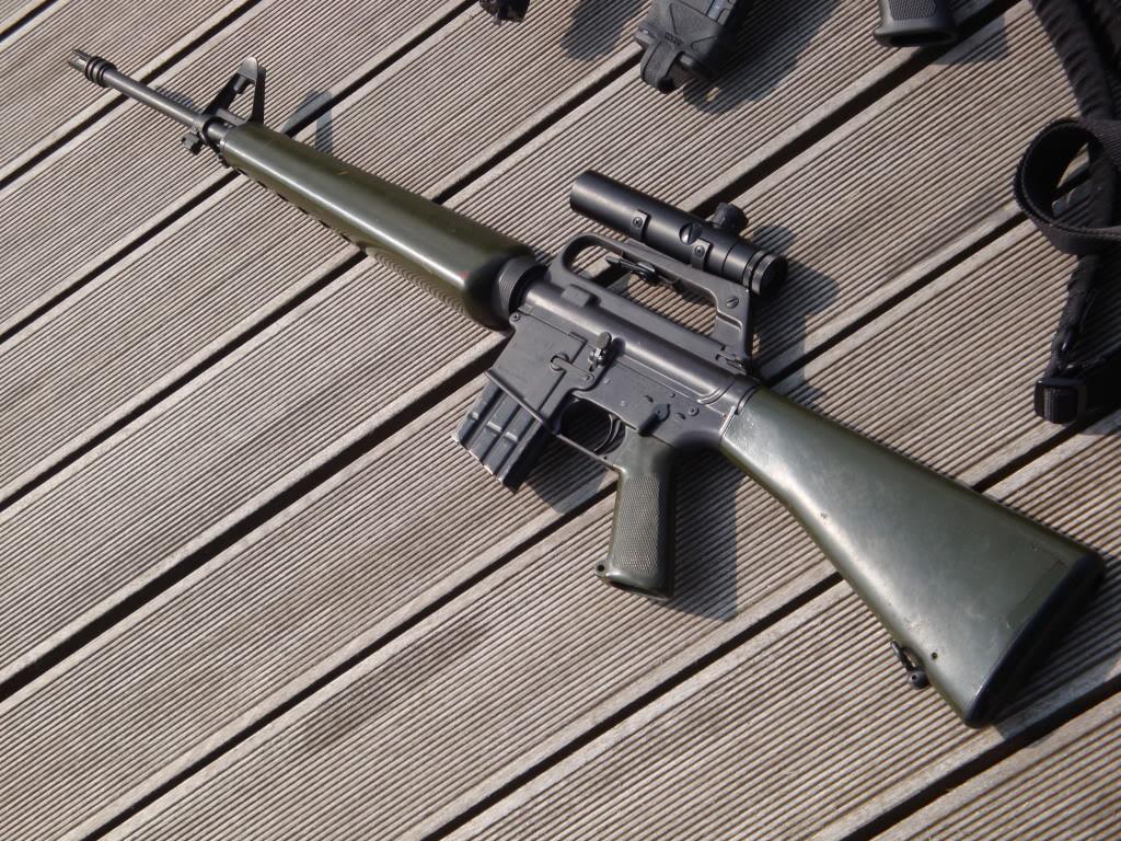 AR-15, 50 ans au combat. DSC01013
