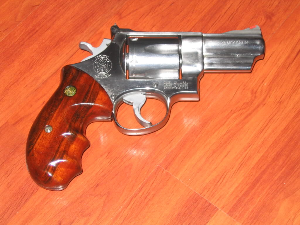 S&W 629... - Page 2 Armes0046