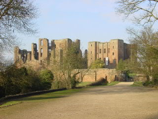 Have you or do you know of anyone that has been here 800px-Kenilworth_Castle_gatehouse_l