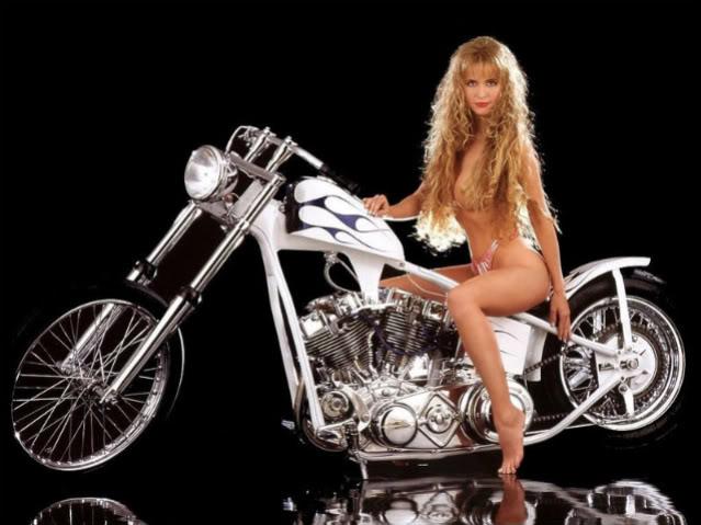 Tsiklid ja Tsikid - Page 2 Hot_babes_and_bikes_15-1-1-1