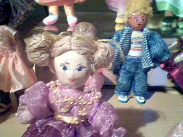 Poupées miniatures 2008-04-05-74244