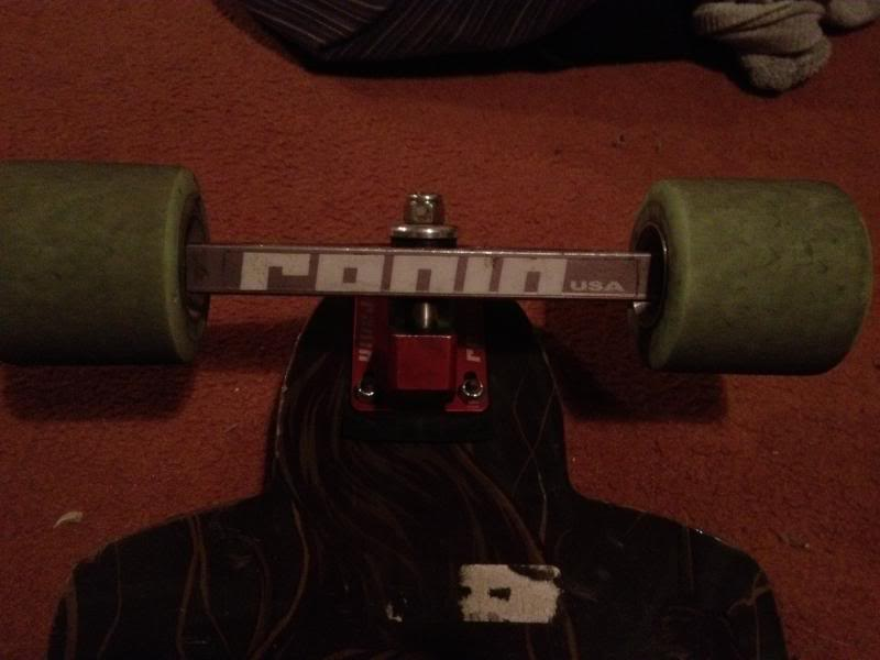 [A VENDRE] RONIN precision trucks, RAYNE KILLSWITCH, wheels 2013-09-04210208_zpsfe64ef6e
