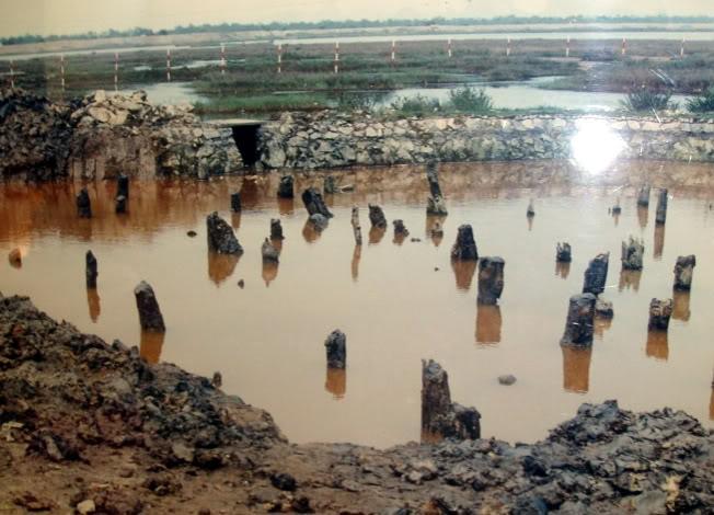 Battle of Bach Dang, Vietnam BachDang-stakefields
