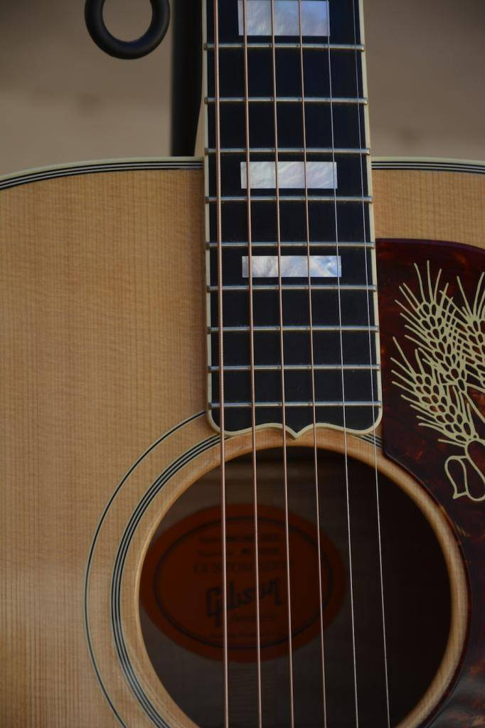 VDS ECH Gibson J200 Montana Gold Flame --- ECHANGEE--- _EMI2006_zpsd202bc2e