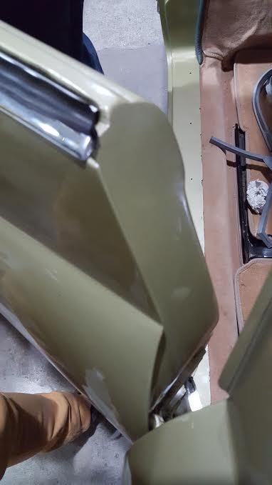 Positionnement correct  joint de montant de porte. 30b66fa6-77ad-416c-b57c-0a82550bbf51%202