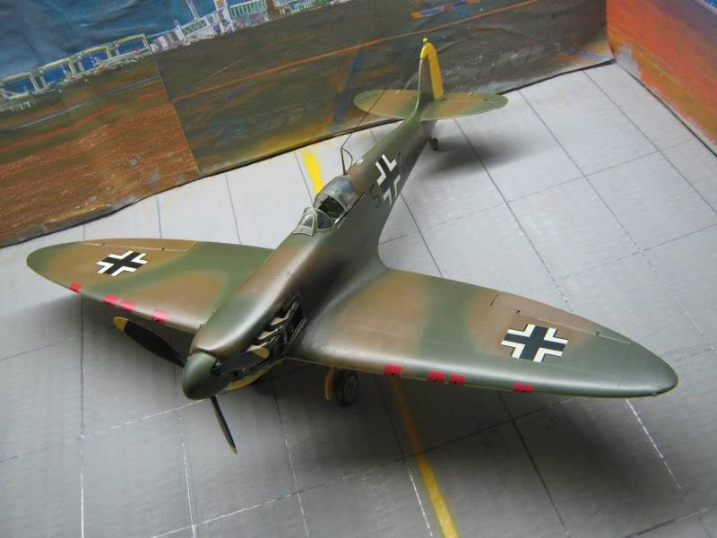 Spitfire MK I Revell 1/32 Captured by Nazi's IMG_3287