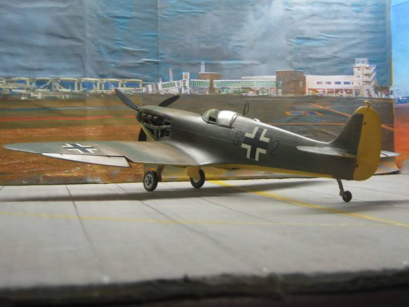 Spitfire MK I Revell 1/32 Captured by Nazi's IMG_3292