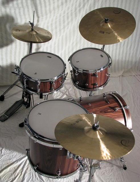 Metro Drums. L_2584d2b73f2849f97361177fde8732f0