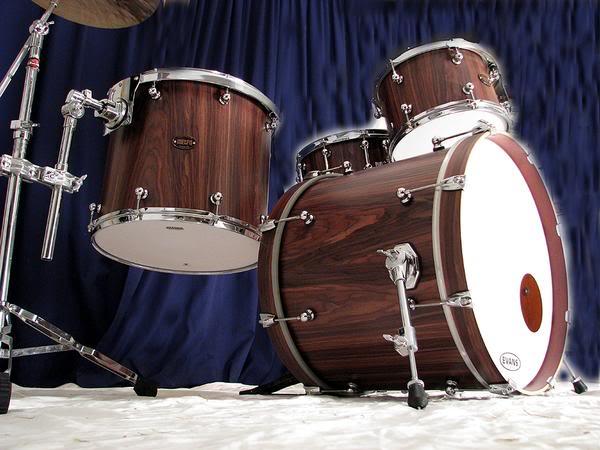Metro Drums. L_4ff4da208ec5ea8a5d373bd99f92bfd1