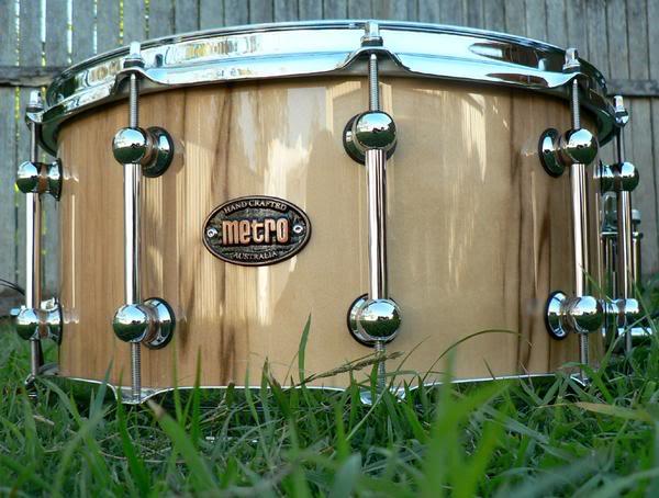 Metro Drums. L_67372596e6ac3d737ef3edb207a2c27b
