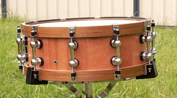 Metro Drums. L_a9010652355af97998e8f7b6a4443f0a