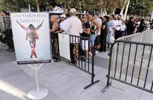 A L.A... già gente per i biglietti! ALeqM5h2BsYvKtmu5WWGqy44FlUAj00m2Q
