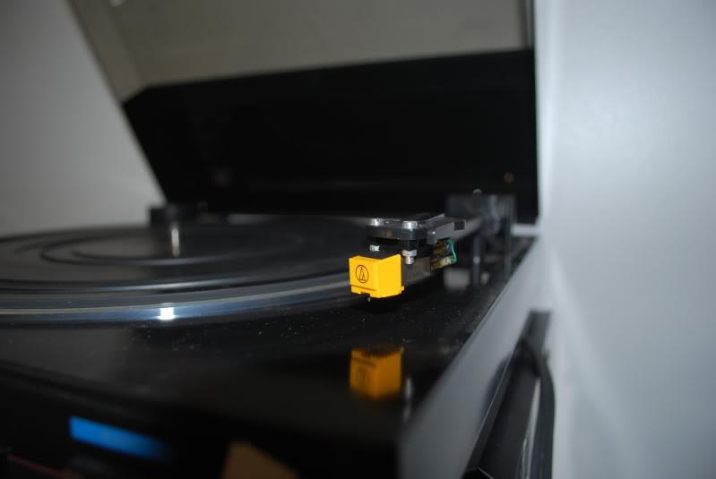 Quero tirar o pó do gira-discos :) DSC_0117