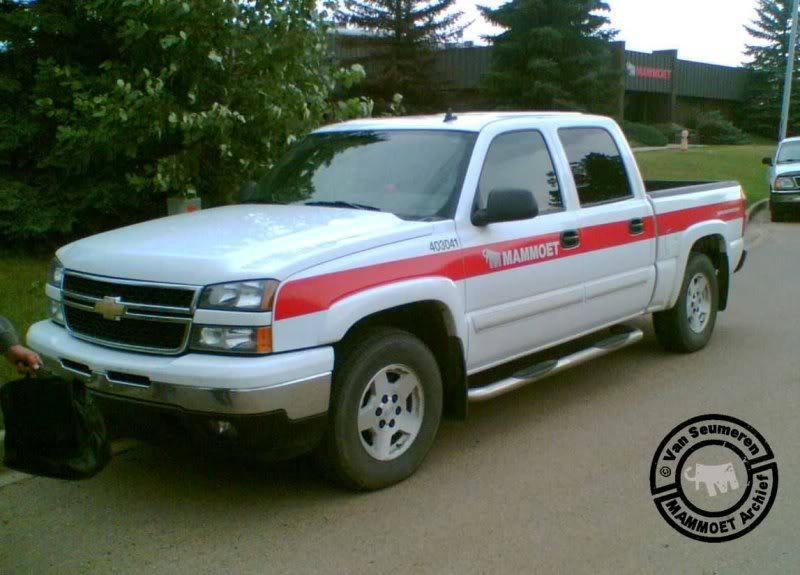 403 041 Chevrolet Avalanche 403041-chevrolet-01