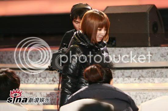 [Pic][11/1] Lễ trao giải âm nhạc Bắc Kinh U2520P28T3D2337110F326DT20090111210